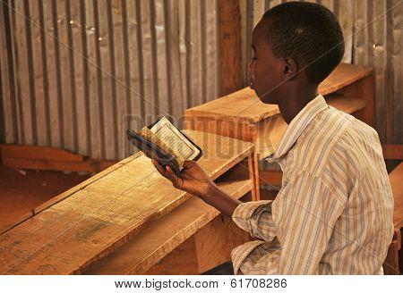Little Kid Read Holy Qoran