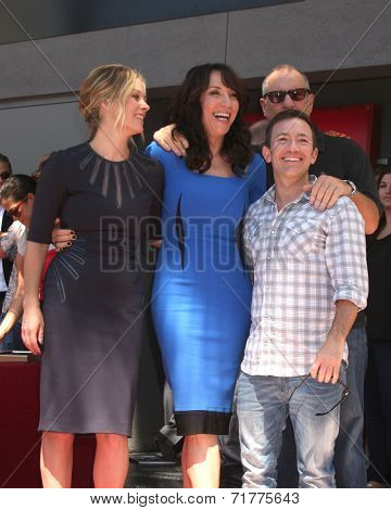 LOS ANGELES - SEP 9:  Christina Applegate, Katey Sagal, David Faustino, Ed O'Neill at the Katey Sagal Hollywood Walk of Fame Star Ceremony at Hollywood Blvd. on September 9, 2014 in Los Angeles, CA