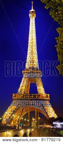Paris - September 20: Light Performance Show On September 20, 2013 In Paris. The Eiffel Tower Stands