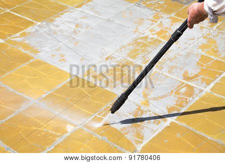 High Pressure Water - Cleaning