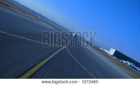 Approaching Aircraft