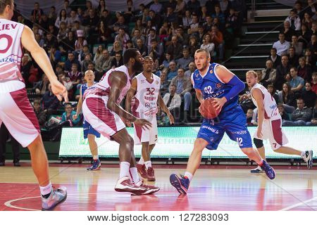 Bc Neptunas Forward Valdas Vasylius (42) Drives To The Basket