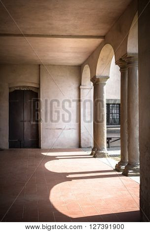 Archways in the portico of an historic religiousarchitecture