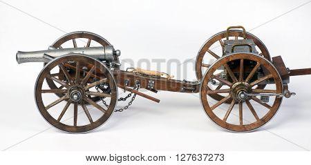 Model of a 1863 Dahlgren cannon with a limber cart.