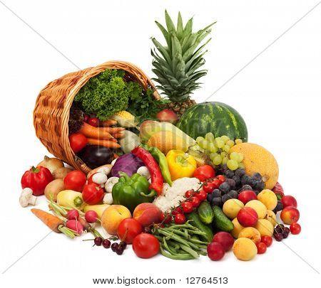 frisches Gemüse, Obst und anderen Lebensmitteln. isoliert