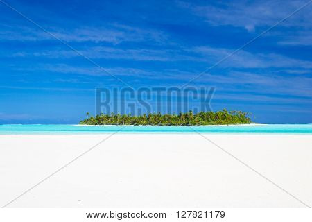 Dreamlike Travel Destination, Turquoise Water Of Aitutaki, Cook Islands