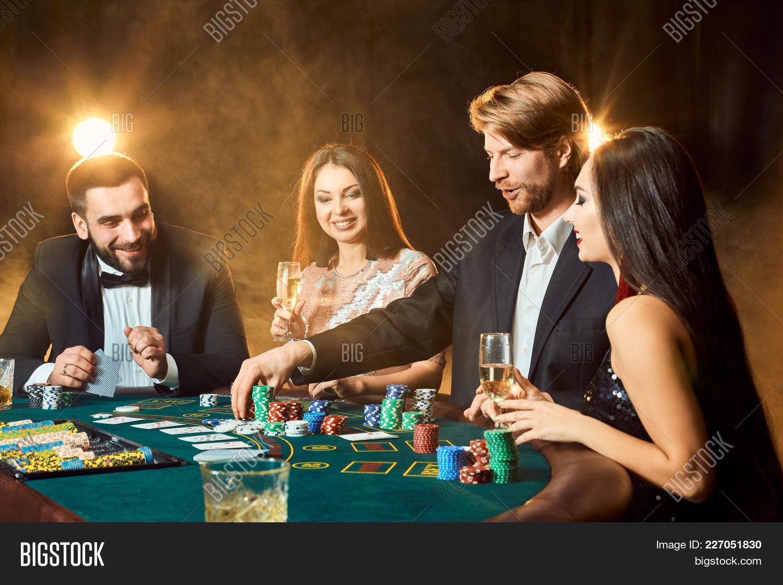 Riverboat casino peoria illinois