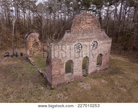 JACKSONBORO, SOUTH CAROLINA, USA-FEBRUARY 15, 2018: The ruins of the Pon Pon Chapel of Ease, built in 1820 in Jacksonboro, South Carolina.