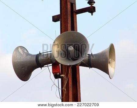 Making Announcements, Making Announcements With Speakers, Electric Pole Mounted Speakers,