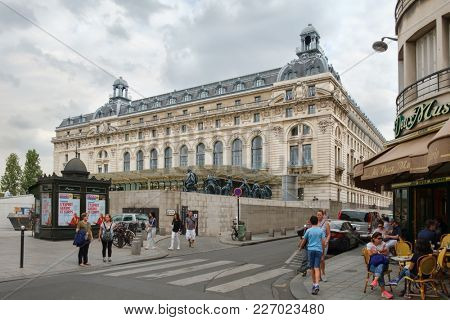 PARIS,FRANCE - AUGUST 1,2017 : Street scene including the Musee D'Orsay in Paris, famous for its collection of impressionist masterpieces