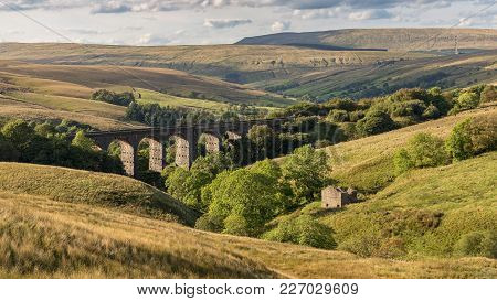 The Dent Head Viaduct On The Settle-carlisle Railway Near Cowgill In The Yorkshire Dales, North York