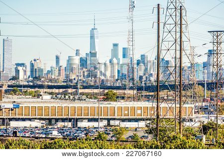 Kearny, Usa - October 27, 2017: Industrial Factory Usps Dominick V Daniels Processing And Distributi