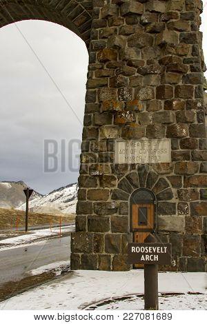 Roosevelt Gate, Yellowstone National Park