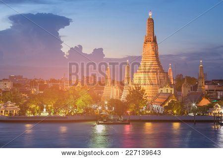 Twilight Over Arun Temple River Front, Bangkok Thailand Historic Landmark