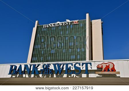 Fargo, North Dakota, August 26, 2017:  The Fargo Bank Of The West Is A Branch Office Which Provides