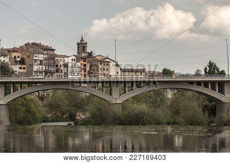 Roda De Ter, Spain-may 9,2012: Village View, Bridge And Ter River In Roda De Ter, Osona Comarca Regi