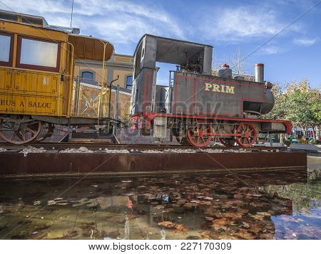 Salou,spain-november 29,2012: Ancient Train Tribute Of Old Railway Line That Worked Between Reus And