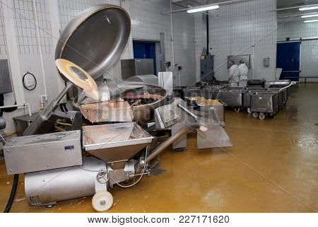 Industrial Meat Mixer In Food Industry, Meat Processing Facilities