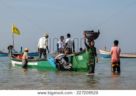 Murdeshwar, India - March, 1st, 2017. Fishermen Returns Back With Their Catch