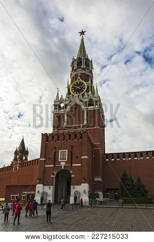 Russia, Moscow-september 24, 2016: Spasskaya Tower On The Red Square