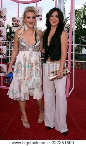 LOS ANGELES - AUG 29:  Michelle Branch and Jessica Harper arrives to the Mtv Video Music Awards  on August 29, 2004 in Miami, FL.