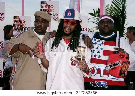 LOS ANGELES - AUG 29:  Lil Jon arrives to the Mtv Video Music Awards  on August 29, 2004 in Miami, FL.