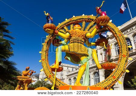 Menton, France - February 18, 2018: Art Made Of Lemons And Oranges In The Famous Lemon Festival (fet
