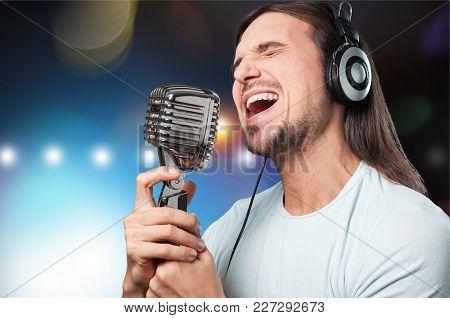 Man Sing Mic Microphone Singer Nightlife Entertainment