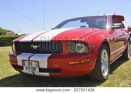 Bagard, France - July 9, 2016: Front Of A Ford Mustang Photographed During A Car Rally