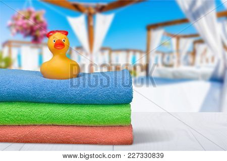 Yellow Towel Rubber Bath Duck Play Fun