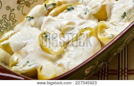 Conchiglioni Stuffed With Cheese And Greens,italian Cuisine