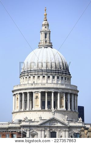 St Paul Cathedral, London, Is An Anglican Cathedral, The Seat Of The Bishop Of London And The Mother