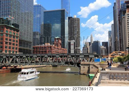 Chicago, Usa - June 28, 2013: Downtown View With Chicago River. Chicago Is The 3rd Most Populous Us