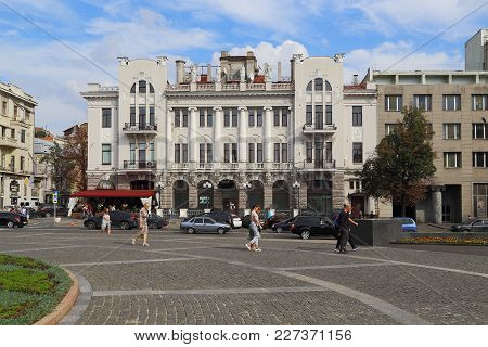 Kharkov, Ukraine - September 5, 2017: This Apartment Building, Built In The Early 20th Century In Th