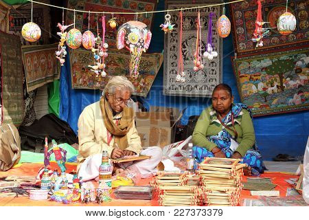Faridabad, Haryana / India - February 16 2018: Artist At Work During Surajkund Crafts Mela - The Lar