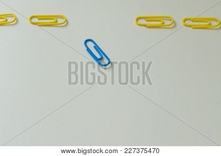 Paper Clips, Think Different, Be Different! Motivational And Metaphotic