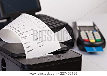 Point Of Sale System For Retail Or Restaurant  -  Credit Card Processor, Receipt Printer With Paper