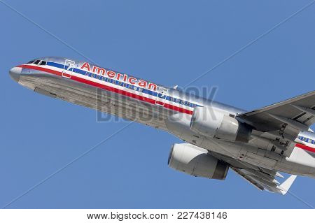 Los Angeles, California, Usa - March 10, 2010: American Airlines Boeing 757 Airplane Takes Off From
