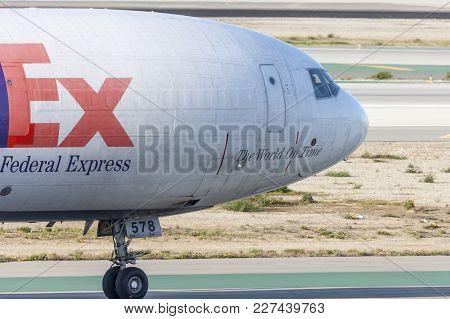 Los Angeles, California, Usa - March 10, 2010: Federal Express (fedex) Mcdonnell Douglas Md-11f Carg
