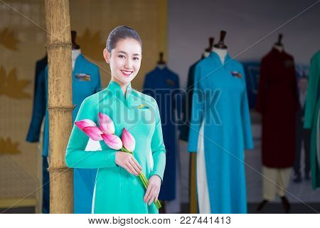 Hanoi, Vietnam - Oct 15, 2016:closeup Vietnam Airlines Air Hostess Mannequin Wearing Uniform At Ao D