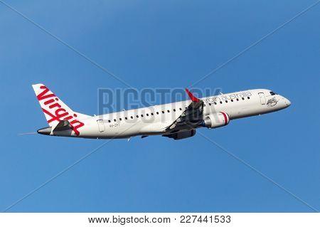 Melbourne, Australia - September 24, 2011: Virgin Australia Airlines Embraer Erj-190-100igw (erj-190