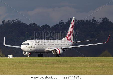 Melbourne, Australia - November 10, 2011: Virgin Australia Airlines Boeing 737-8fe Vh-yva On The Run