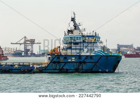 Labuan,malaysia-fen 2,2018:view Of Supply Boat Transfer Cargo To Oil And Gas Industry In Labuan,mala
