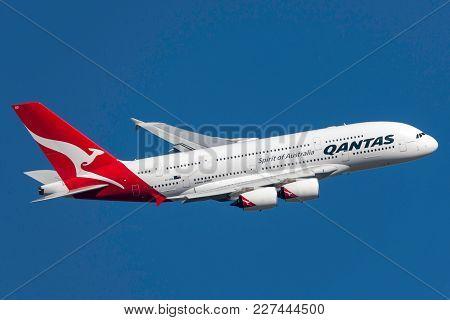 Melbourne, Australia - September 24, 2011: Qantas Airbus A380-842 Vh-oqd Departing Melbourne Interna