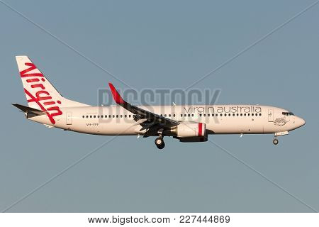 Melbourne, Australia - September 25, 2011: Virgin Australia Airlines Boeing 737-8fe Vh-yff On Approa