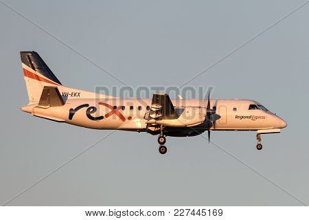 Melbourne, Australia - November 10, 2011: Regional Express (rex) Airlines Saab 340b Vh-ekx On Approa