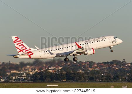 Sydney, Australia - May 5, 2014: Virgin Australia Embraer Regional Jet (erj-190) Taking Off From Syd