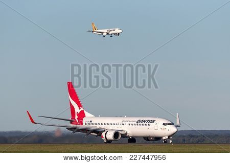 Sydney, Australia - May 5, 2014: Qantas Boeing 737-800 Aircraft At Sydney Airport With A Tiger Airwa