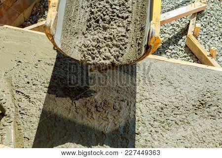 Pouring Cement Concrete Process To Apartment Building Pouring Cement Concrete