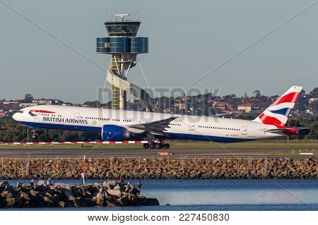 Sydney, Australia - May 5, 2014: British Airways Boeing 777-300 Aircraft Taking Off From Sydney Airp